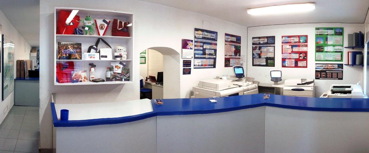 Desde 1992… una puerta abierta a más servicios.